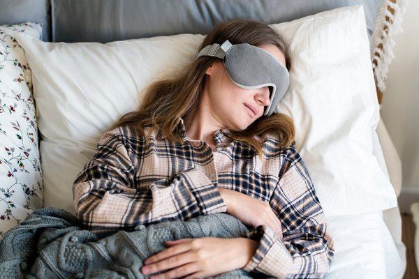 Las mujeres necesitan dormir más que los hombres, lo dice la ciencia